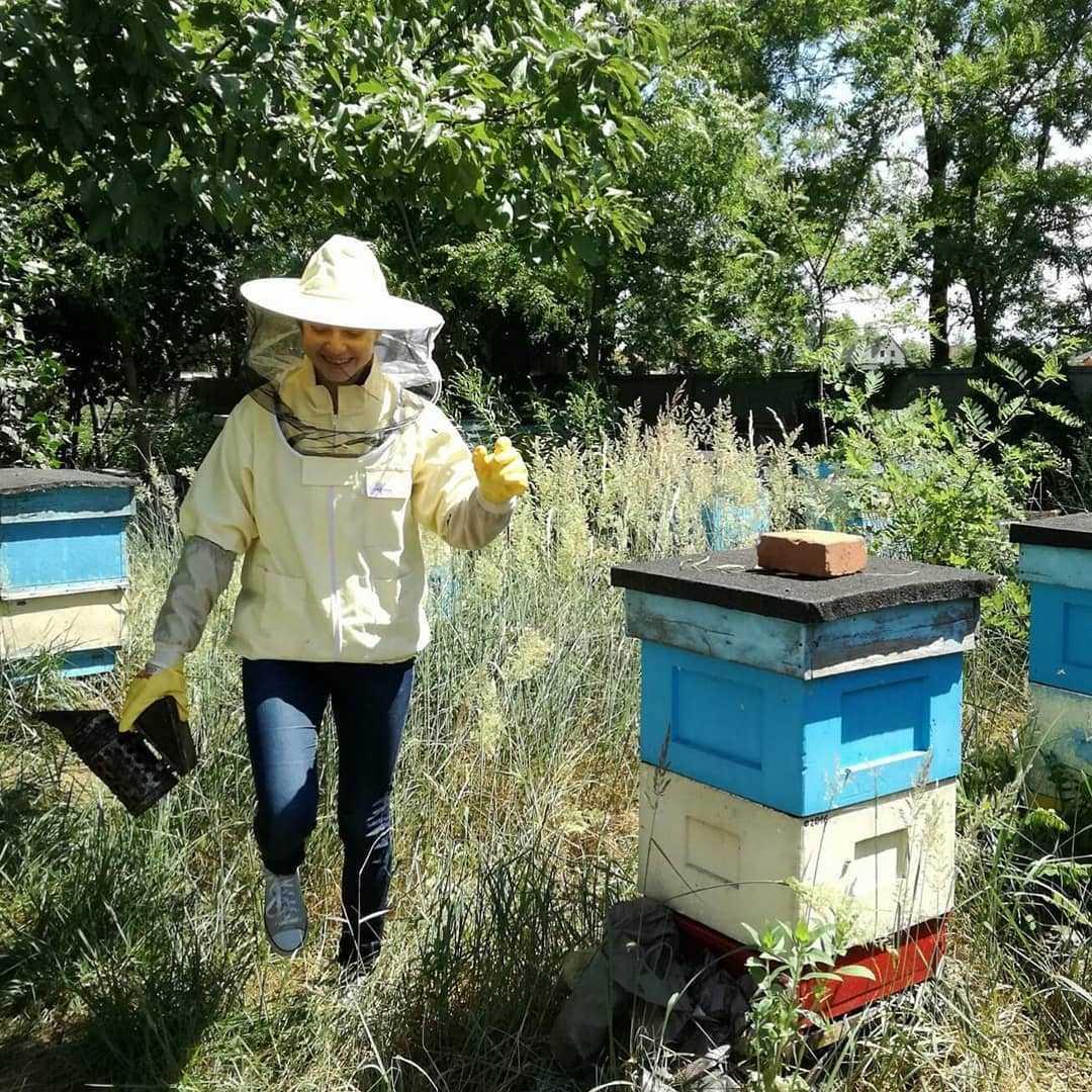 pszczelarz to przyjaciel pszczół